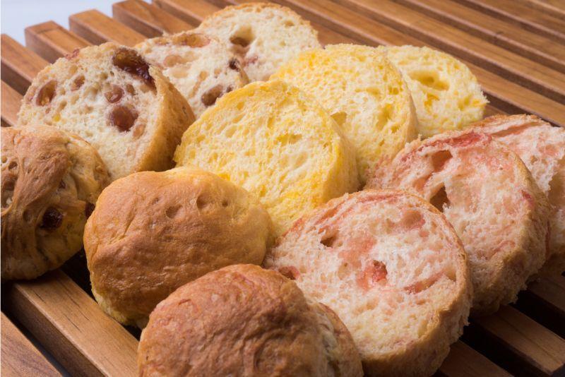 画像2: 缶入りソフトパン(ブルーベリー味・1箱24缶入り)